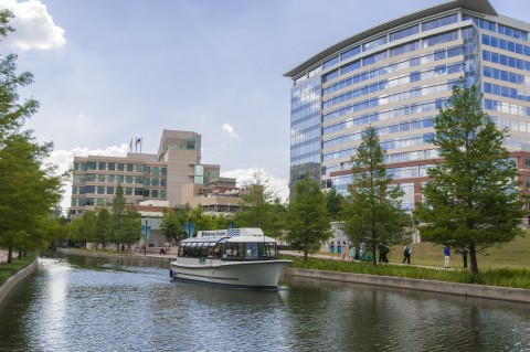 Waterway Events is pleased to announce the return of The Woodlands Waterway Cruisers to The Woodlands Waterway. Normal operations will begin Friday, December 8, 2017.