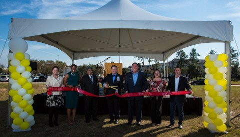 Memorial Hermann Tomball Hospital welcomed more than 500 residents and families at the ribbon cutting ceremony of its grand opening and winter festival this past weekend.